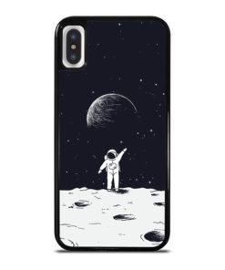 ASTRONAUT STAND ON SURFACE OF MOON iPhone X / XS Case