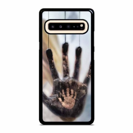 TWO DIFFERENT HANDS Samsung Galaxy S10 5G Case